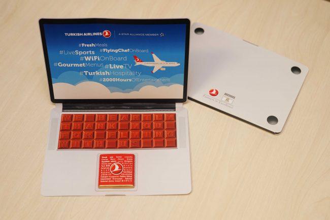 THY. ABD ve Birleşik Krallık uçuşlarında laptop-çikolata ikram ediyor