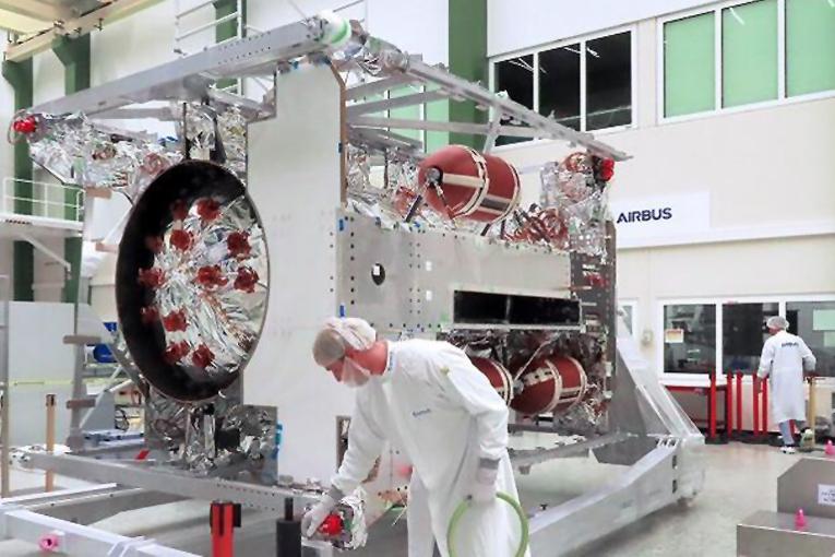 ESA, JUICE uzay aracı için Airbus Uydu Merkezi'nde